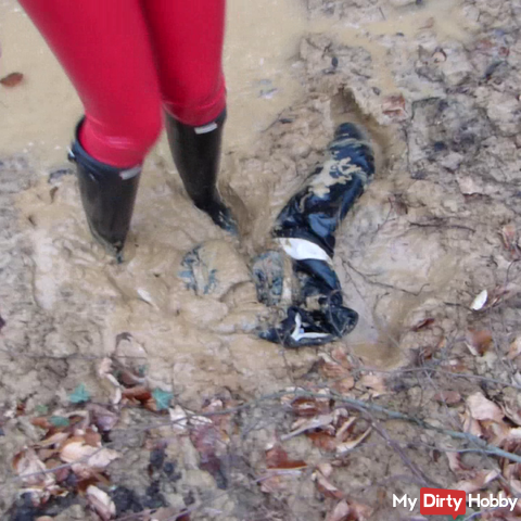 Slave You failed! His shiny nylon down jacket with rubber boots done in the mud !!