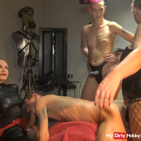 A triple strapon fuck for the slave