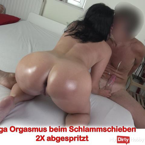 Mega orgasm when pushing mud. 2X hosed