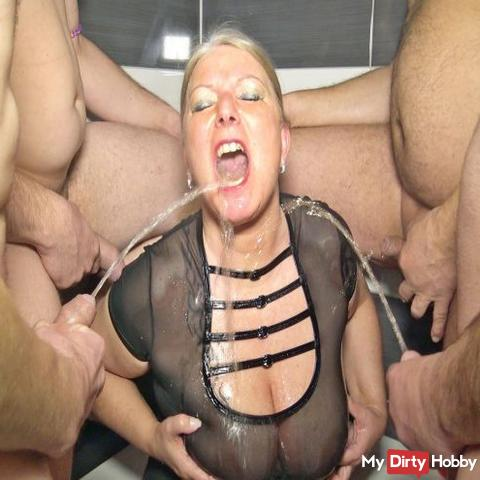 4 users pissed me in my mouth at the same time! User shooting day and fan meeting in Berlin!
