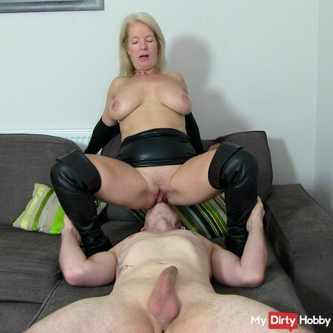 Horny sow squirts 3x in my holes! AO!