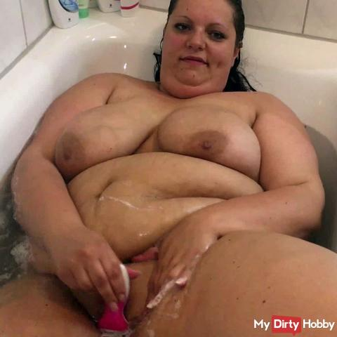 Pissing, bathing and shaving