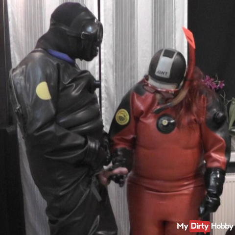 Gimmicks in Viking rubber suits 1