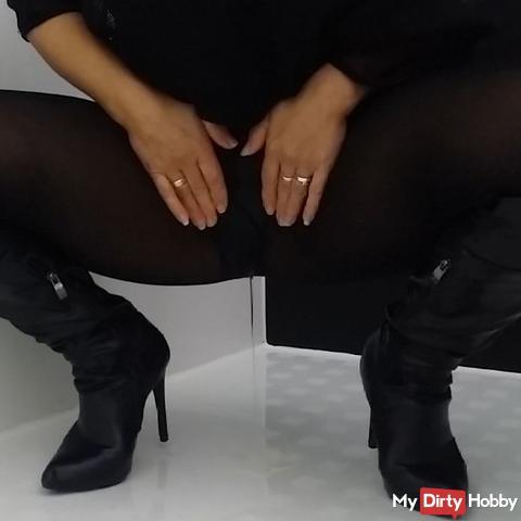 Hot Peepussy in Nylon