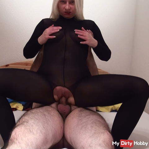 Pure catsuit without condom fucking.