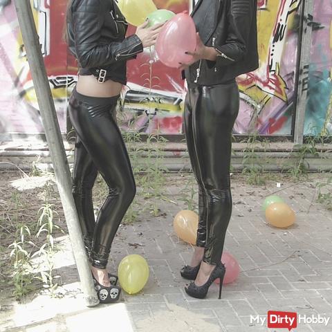 2 wetlook Ladys / Balloon Crushing with Heels