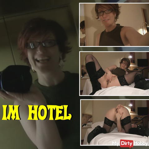Frivolous and slutty in the hotel - Dirty Talk
