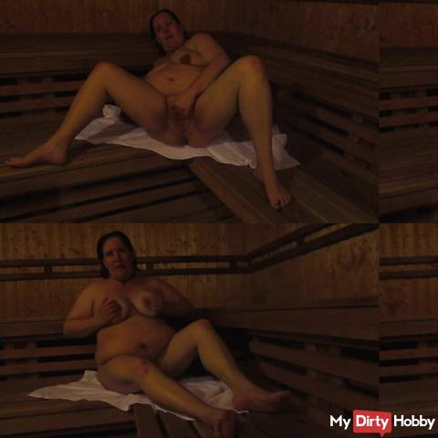 Pussy games in the sauna