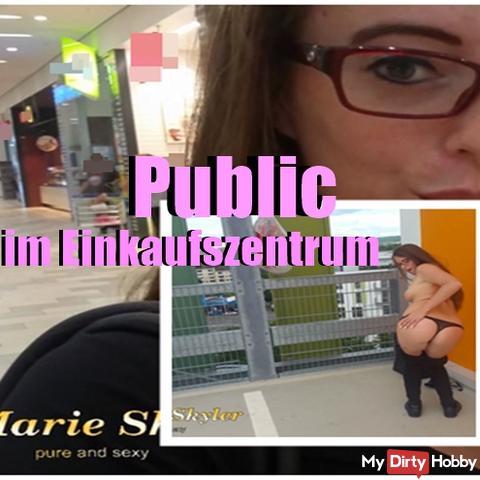 Public im Einkaufs Zentrum
