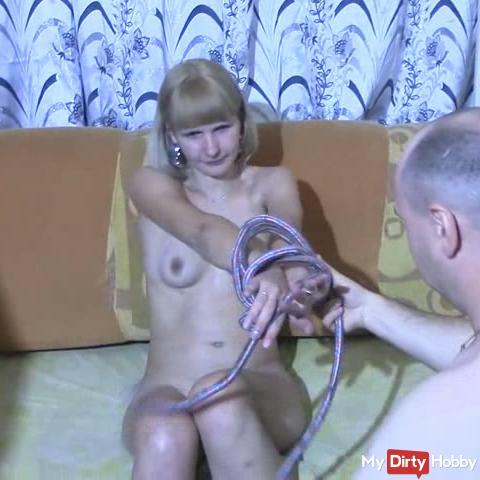 He tie me