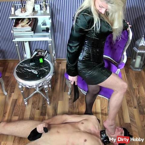 Nylon licking and suffing 2