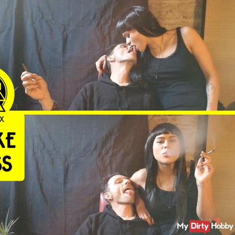 Smoke & french-kiss