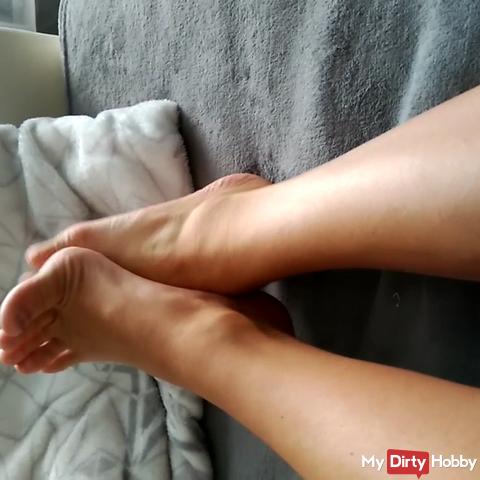 Horny foot show