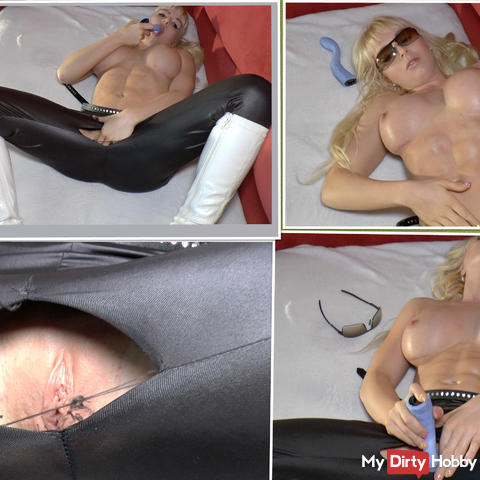 Horny leggings Bitch in the dildo Selfmade intoxication