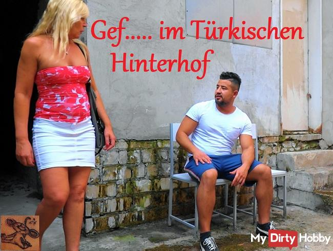Gefickt im Türkischen Hinterhof