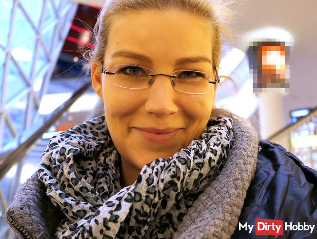 Orgasmus vor Fremden im Frankfurter Einkaufscenter