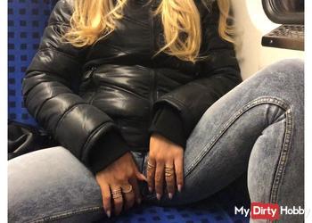 Die verhurte S-Bahn-Schlampe | Paul´s perverseste Erfahrung EVER!