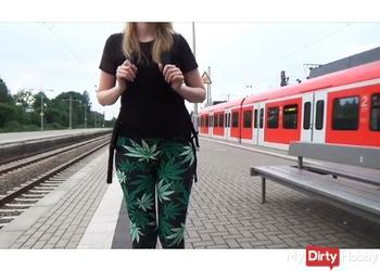 Vor der Schule!!! Kranke S-Bahnfahrt* Blasen+Cumshot*