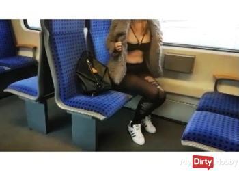 Vor der Schule!!! S-Bahn Quicky*(Fick+Cumshot)