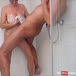 Rumsauen in the shower with honey etc, part 2