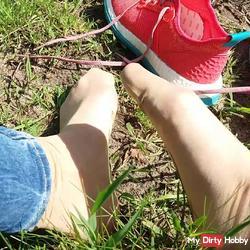 Wet nylon feet