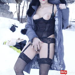 teil3 In February drausen in the snow become horny