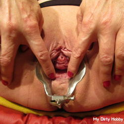 With Speculum the greedy pussy opened
