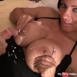 18 Year Old Muttersöhnchen v Business Tussi fucked