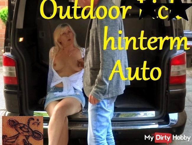 Outdoor Fick hinterm Auto