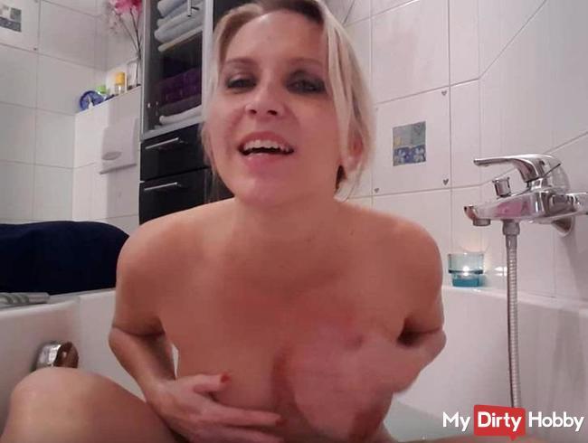 Pissen in der Badewanne