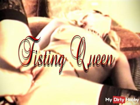 Fisting Queen