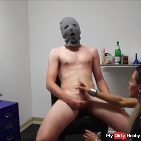 Slave is milked with Wichsanweisung