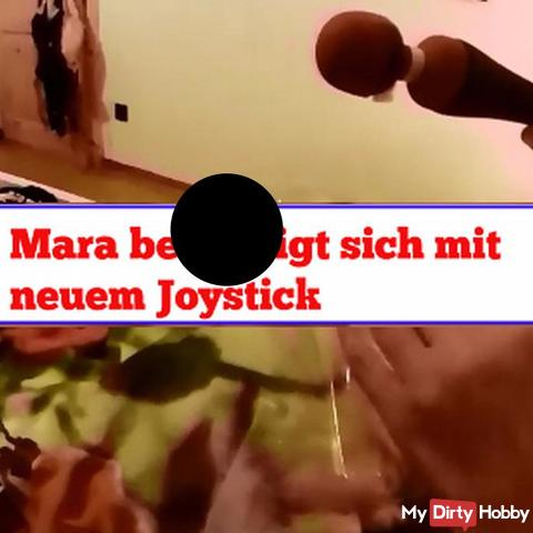 Mara befriedigt sich mit neuem Joystick