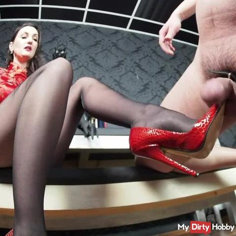 Heavy CBT Game with red High Heels