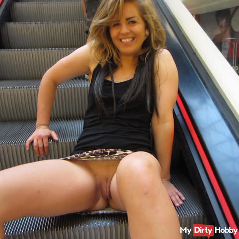 TEENFOTZEN-FLASHING in Frankfurt Shopping Center