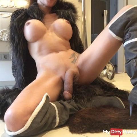 TS XXL ANGEL23X6 sperm exploded in fur