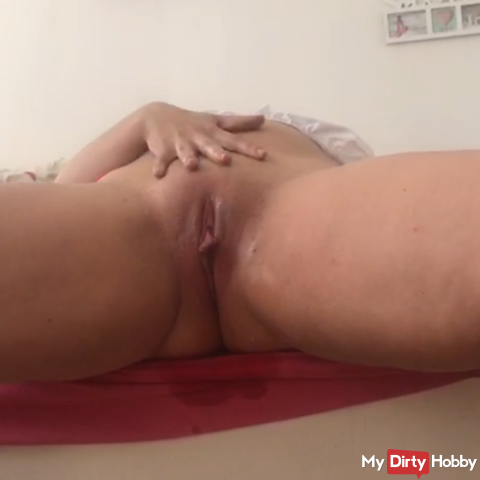 A short but messy squirt video