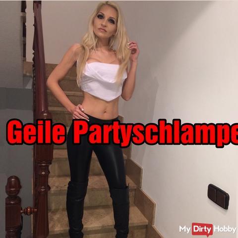 Geile Partyschlampe : ERST Facesitting und DANN schön die Fotze Zerfickt