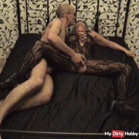 In catsuit and high heels blown, fucked and fingered