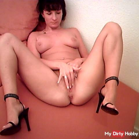Running in Heels & Pussy Show