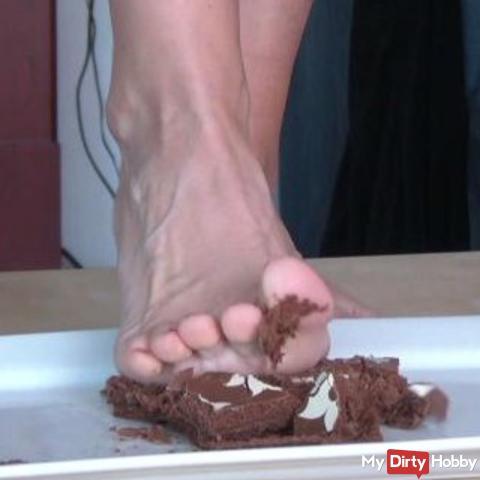 cake crushing