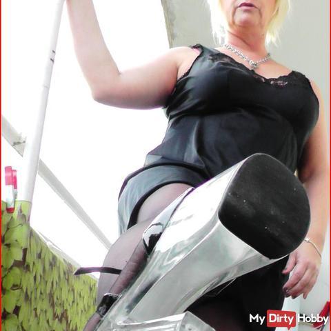 Fetisch Sklave gesucht - Fußfetisch Nylons High Heels Domina BDSM