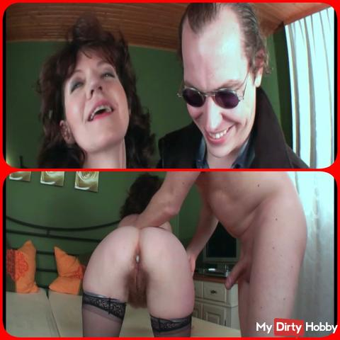 Horny granny persuaded to blow