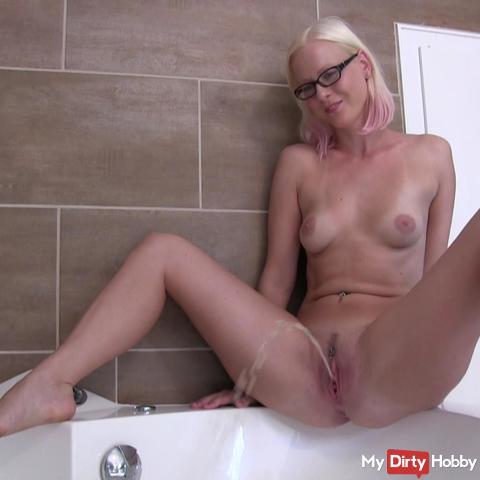 Hot tub piss
