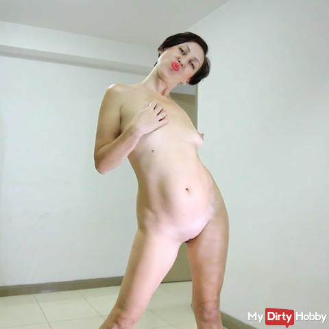 Dress & Pussy show - 5