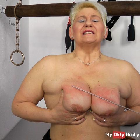 Annadevot: tits spanking - I need it hard