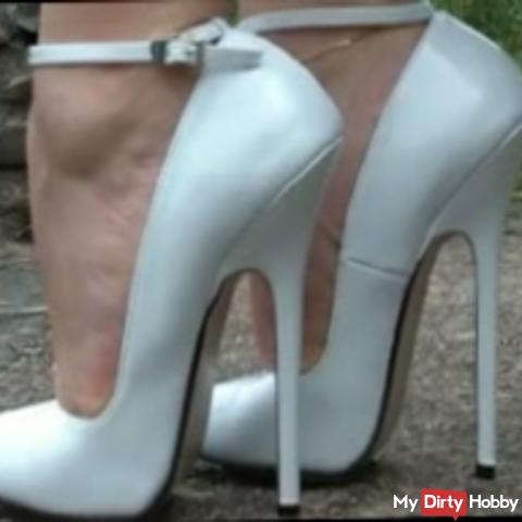 White Fickheels