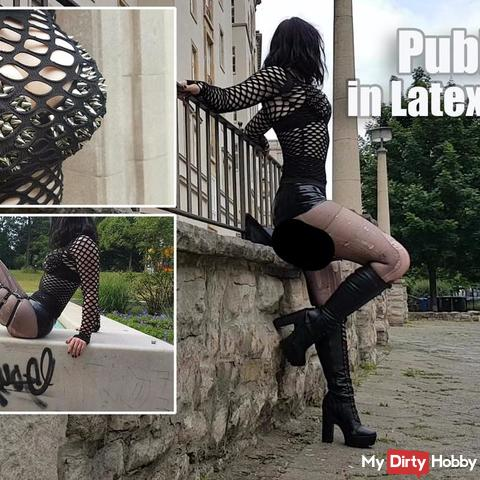 Public-Walk in Latex-Hotpants