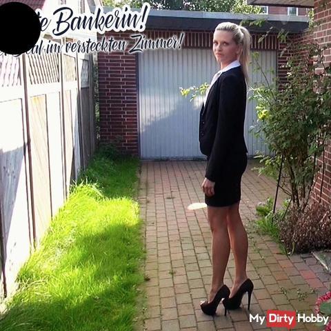 Versaute Bankerin! per***ser Deal im versteckten Zimmer!