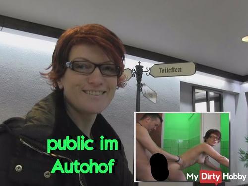 Public s*x im Autohof